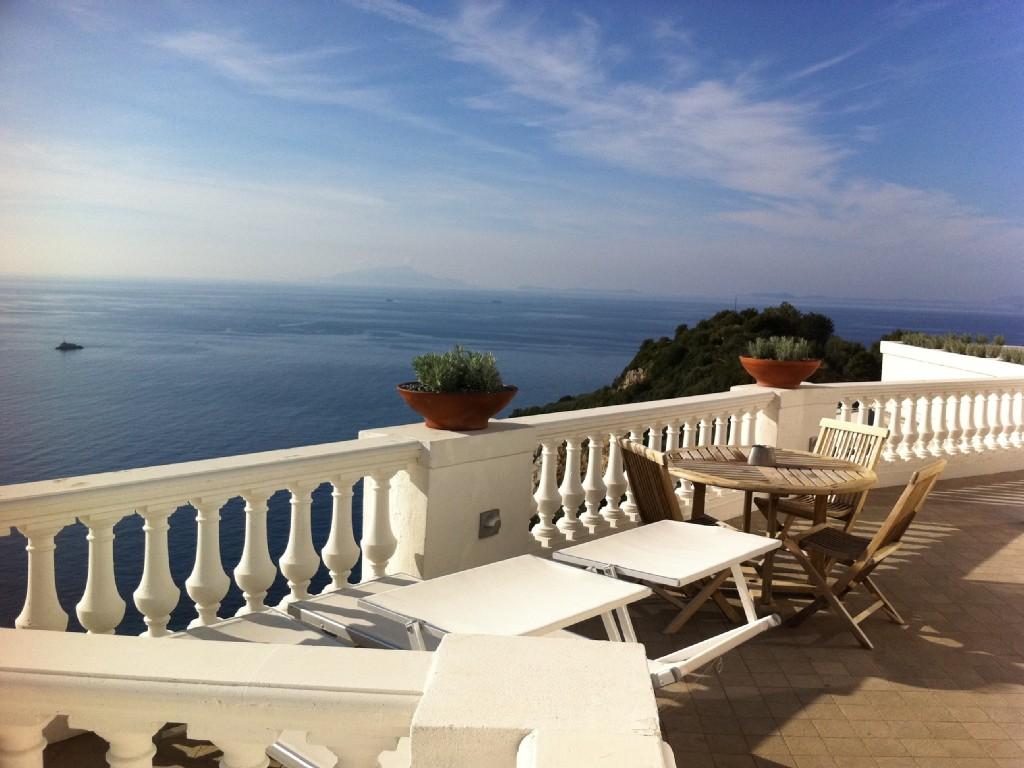 Luxe villa met zeezicht en zwembad amalfikust