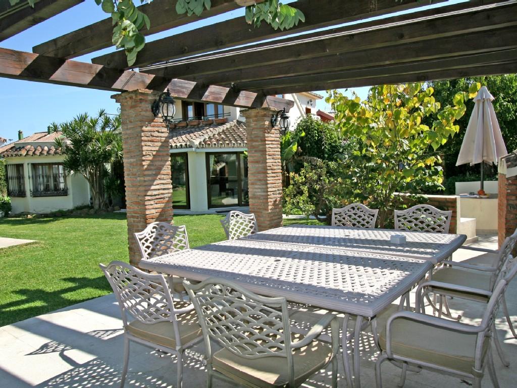 Grote Luxe Villa Met Zwembad 5 Slaapkamers En Badkamers Op 200 picture