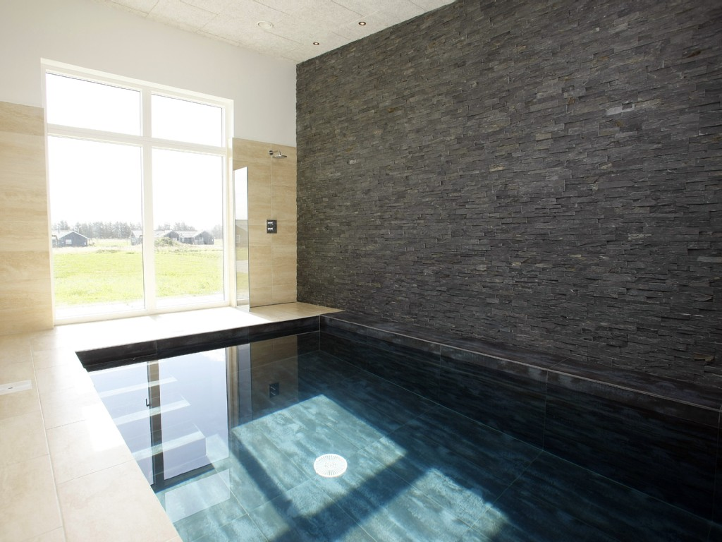 Renovatie Badkamer Muren ~ Villa with 8 bedrooms, 3 bathrooms, swimming pool, Jacuzzi, Sauna, Wi
